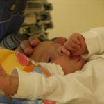 Betäubt heißt nicht traumatisiert – Wie ich mein Kind durch eine OP begleiten kann